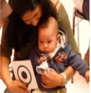 uso de tarjetas de estimulación visual para bebes